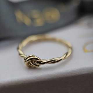 "14 Karat ""Knoten"" Design Goldring"